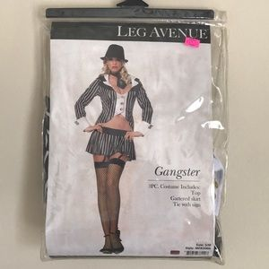 Woman's gangster costume